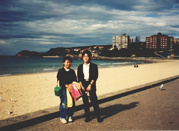 オーストラリア・シドニー。Manly Beach, Sydney with Kyoko.