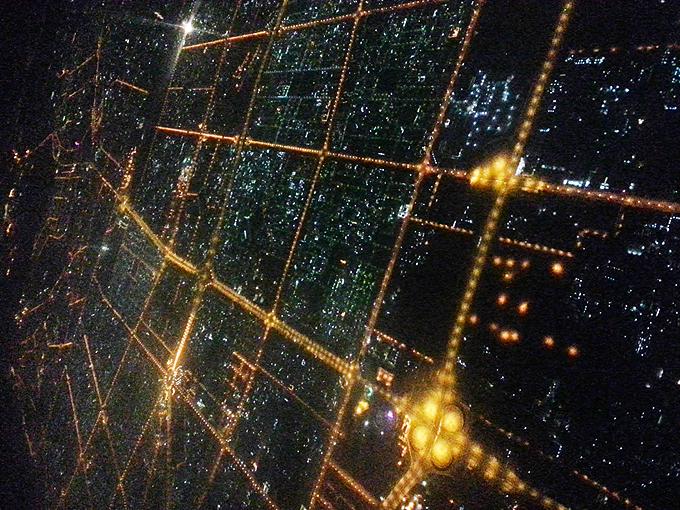 ドバイ。ドバイ上空からの夜景(Night view of Dubai from the sky.)