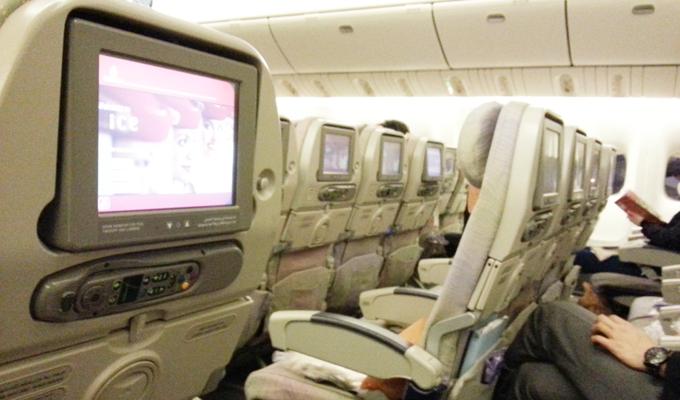 ドバイ。エミレーツ航空機に乗る(Ride on emirates.)