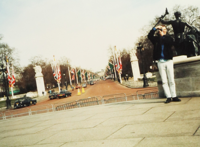 イギリス。Buckingham Palace.