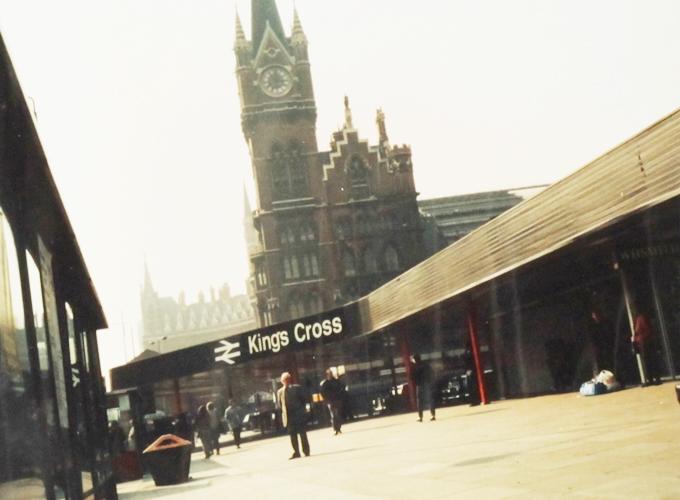 イギリス。Kings cross station.