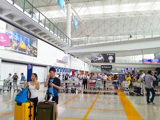 香港国際空港 到着ロビー