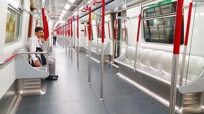 香港 九龍 女人街へ(The way to the Nuren jie.)