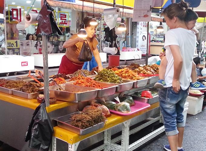 韓国 ソウル旅行 慶山市 キョンサン市 路上マーケット