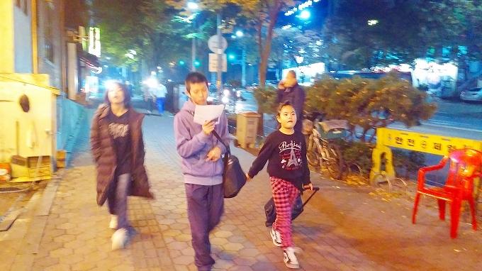 韓国。ソウル。徒歩でホステルへ - インノ・ホステルへ(Way to Inno Hostel.)