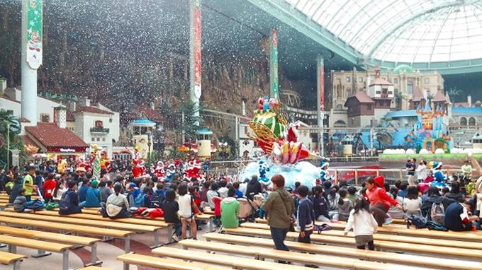 韓国・ソウル。シャボンの雪 - ロッテワールド・アドベンチャー(Lotte World.)