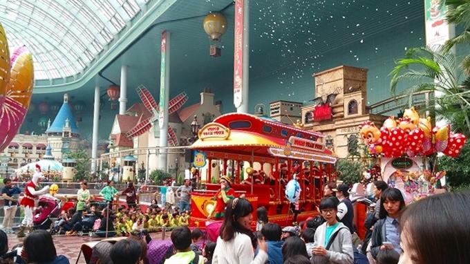 韓国・ソウル。かわいらしいバスも登場 - ロッテワールド・アドベンチャー(Lotte World.)