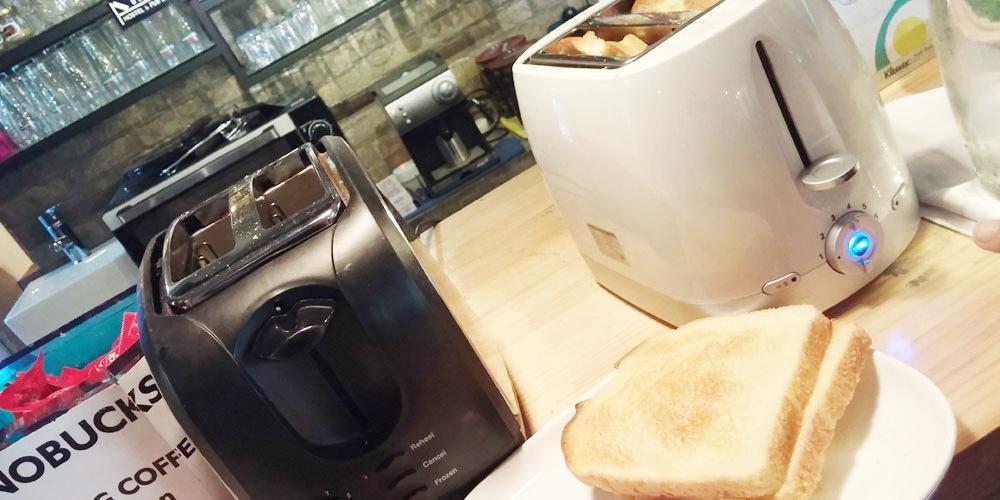 韓国ソウル。食パンとジャムの朝食。 - インノホステルの朝食(Breakfast.)