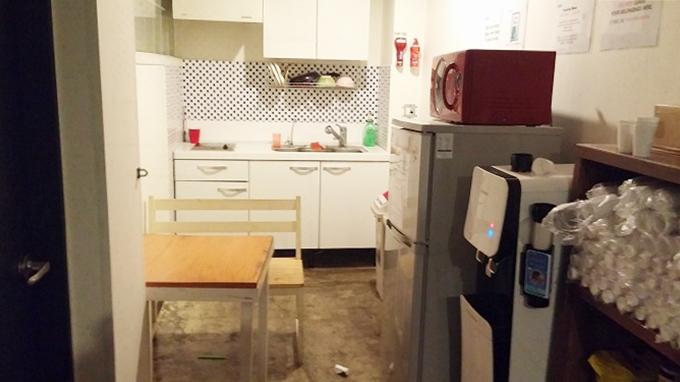 韓国。ソウル。2階のシェアキッチン - Inno Hostel & Pub Lounge Hongdaeの朝