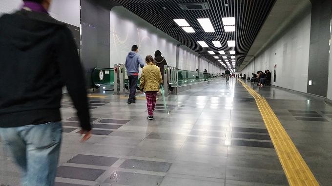 韓国。ソウル。博物館の長い通路 - 国立中央博物館(National Hangeul Museum.)