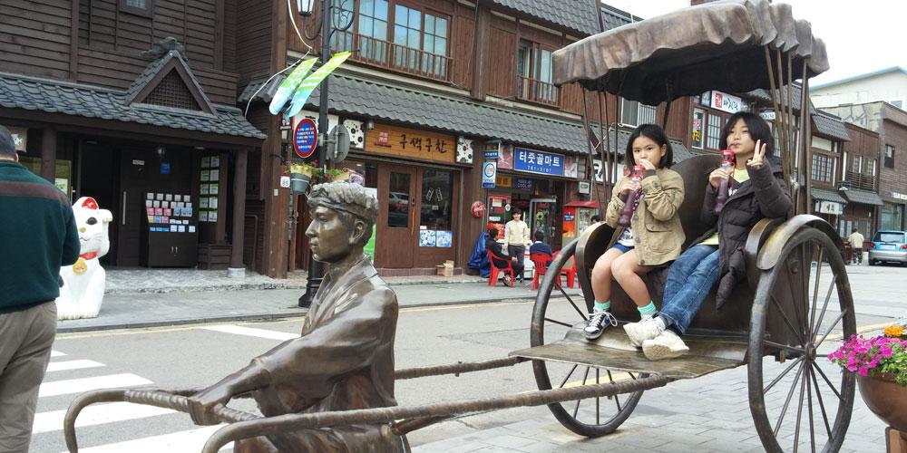 韓国 仁川旧日本人街 歴史文化通り人力車