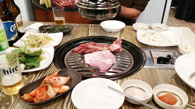 韓国ソウル。韓国焼肉・料理