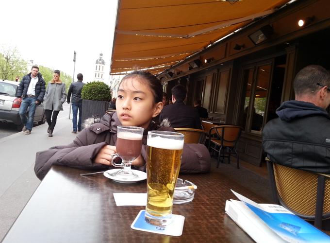 フランス・リヨン。ベルクール広場脇のブラッスリー