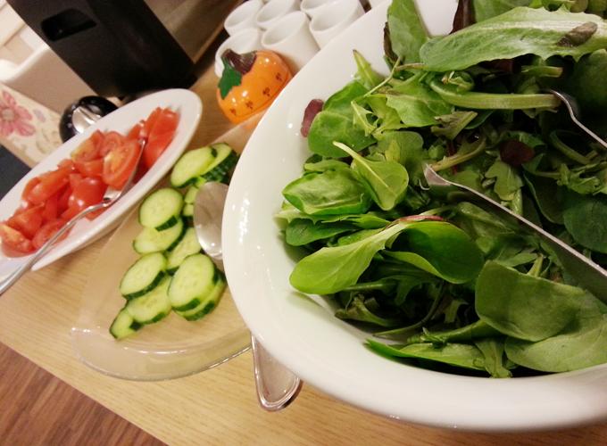 フランス・リオン。サラダ
