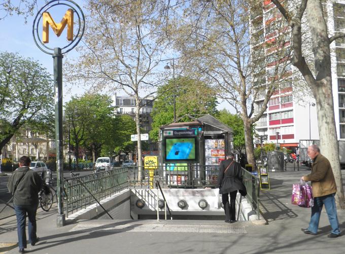 フランス・パリ。地下鉄Dugommier