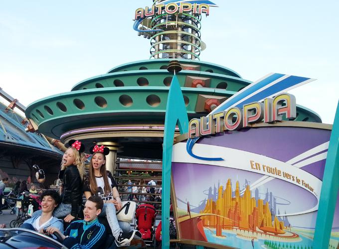 フランス・パリ:ディズニーランド。オートピア(Autopia)