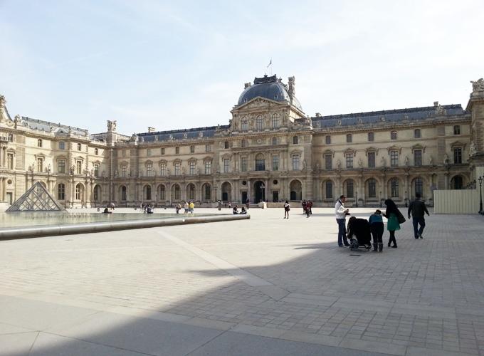フランス・パリ。Musee du Louvre.