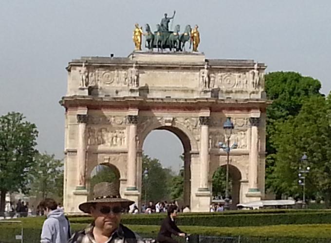 フランス・パリ。Gate in Napoleon Square.