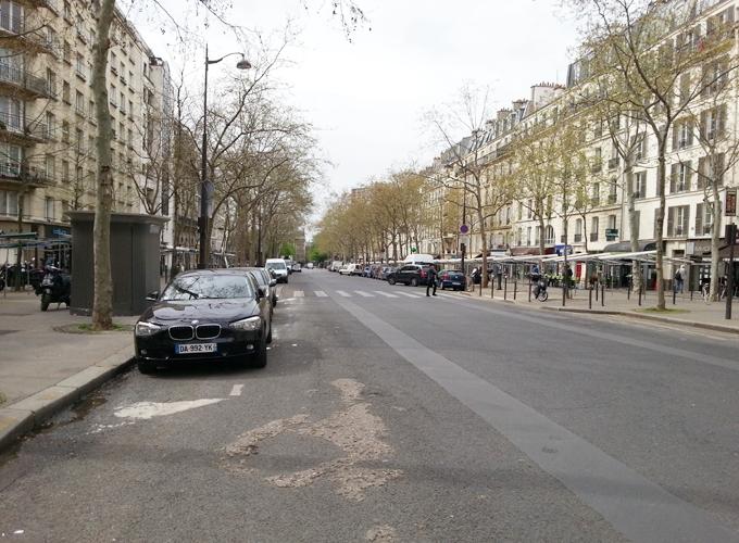 フランス・パリ。ルイイ通り(Boulevard de Reuilly)