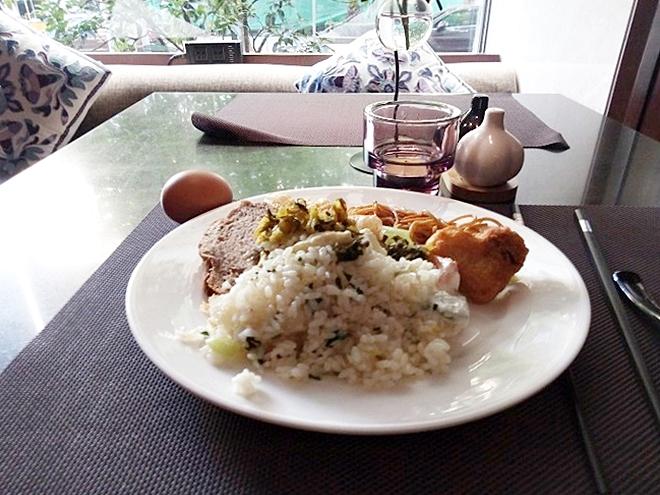 中国 上海・朝食/ ナラダブティックホテル上海ホンコウ