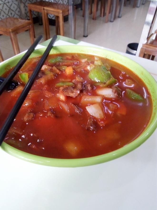 中国 上海外国語大学留学。虹口・街食