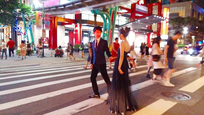 台湾 台北市 タキシードとウェディングドレス・信義区散策