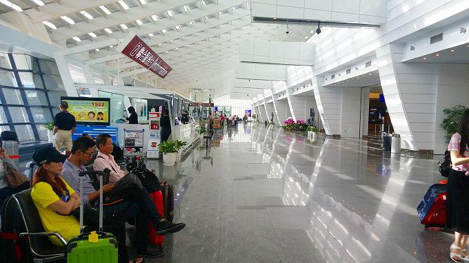台湾 桃園国際空港 出発ロビー