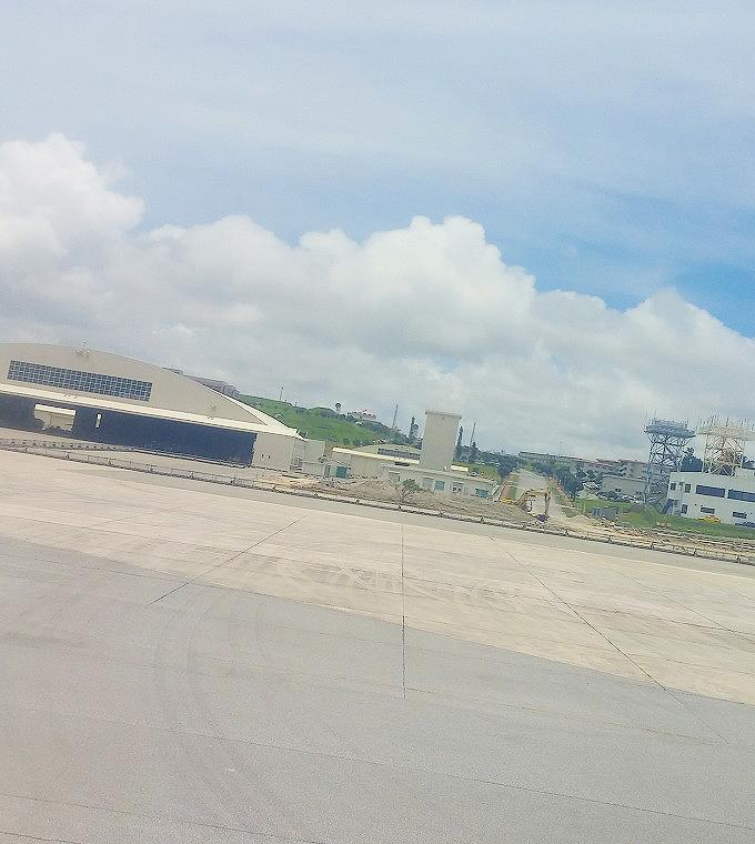那覇空港のハンガー