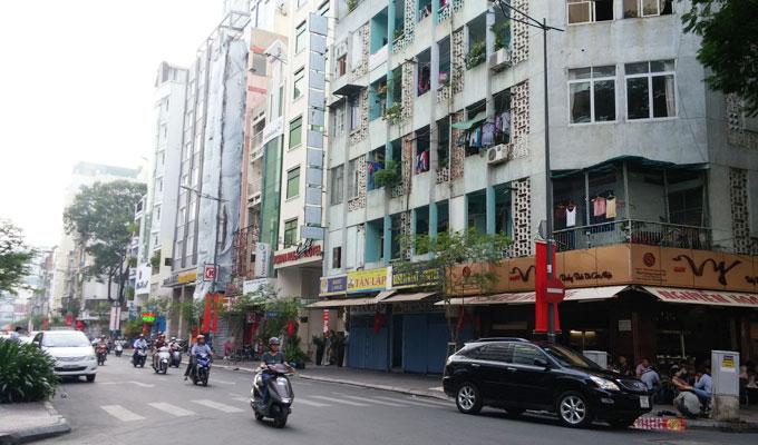 ベトナム・ホーチミン市。24時間営業のカフェ。