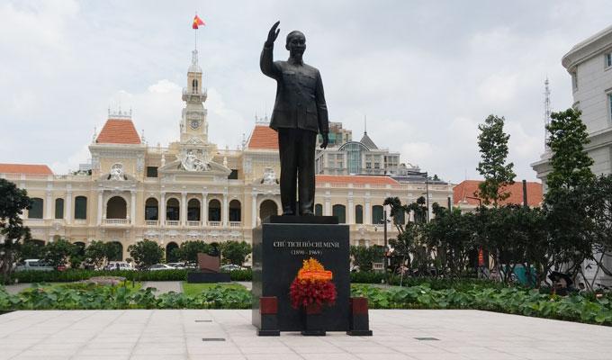 ベトナム・ホーチミン市。Ho Chi Minh像