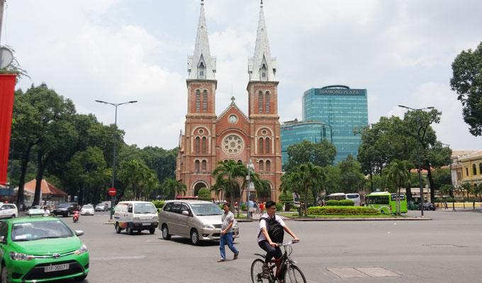 ベトナム・ホーチミン市。サイゴン聖母大聖堂(Saigon Notre-Dame Basilica/ [中]西貢聖母聖殿主教座堂)