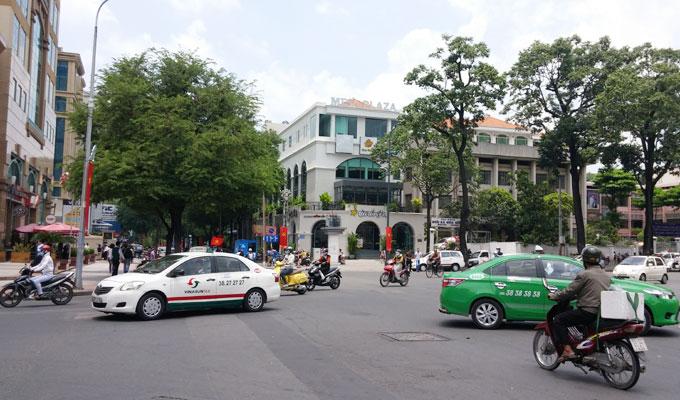 ベトナム・ホーチミン市。Cong xa Paris St.