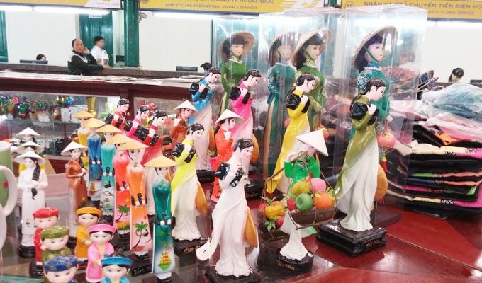 ベトナム ホーチミン市 サイゴン中央郵便局のお土産屋販売