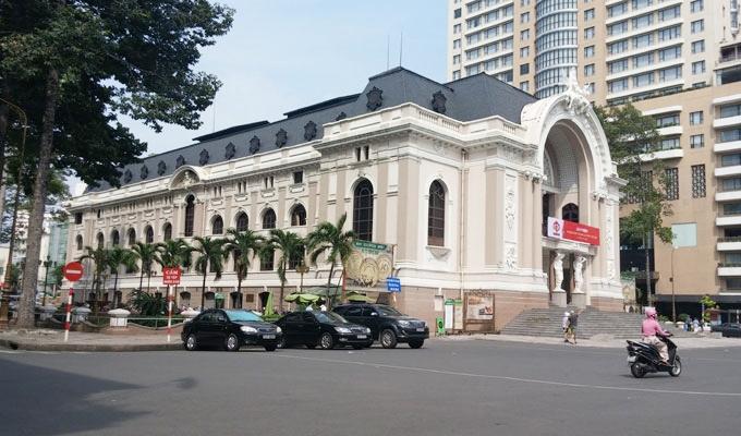 ベトナム・ホーチミン市。サイゴン・オペラ・ハウス(Saigon Opera House)