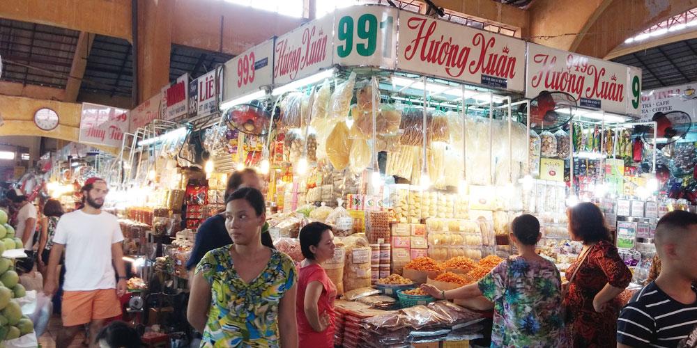 ベトナム・ホーチミン市。ベンタイン市場(Ben Thanh Market.)内部。