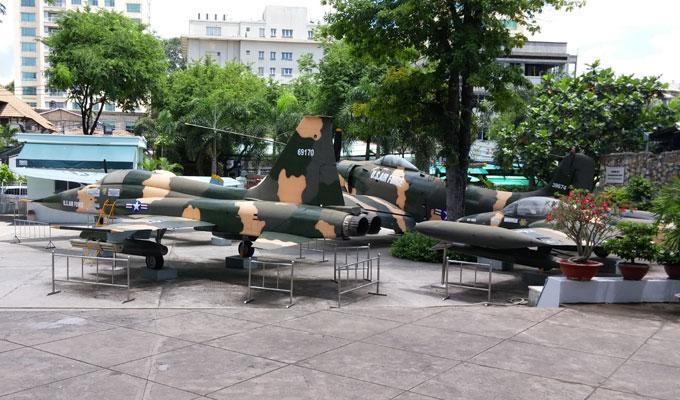 ベトナム・ホーチミン市。戦争証跡博物館(War Remnants Museum.)-当時使用された戦闘機。