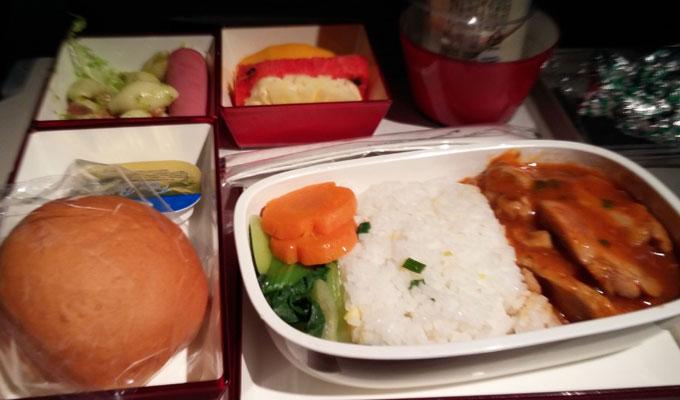ベトナムから韓国のアシアナの機内食。