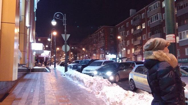 ロシア 夜のウラジオストクの街並み