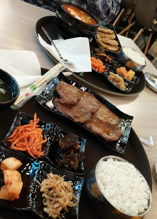 ロシア。韓国料理のファーストフード