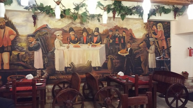 ロシア。グルジア料理「ドゥヴァグルジナ」