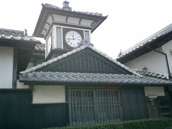 高知県安芸市にある「野良時計」