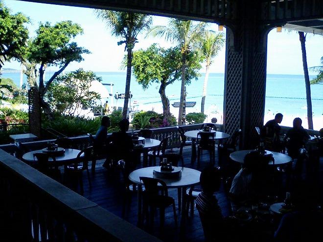 恩納村ホテルムーンビーチ ビーチサイド レストラン