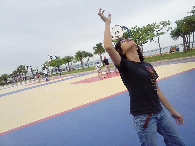北谷町 安良波(アラハ)公園 バスケットコート側