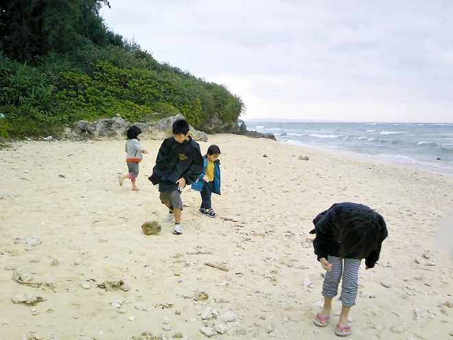 読谷村 モリマーリゾートの前の いちゃんだビーチ