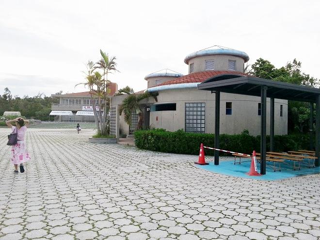 沖縄県総合運動公園レクリエーションプールのトイレ