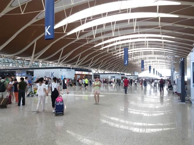 中華人民共和国 上海。浦東国際空港