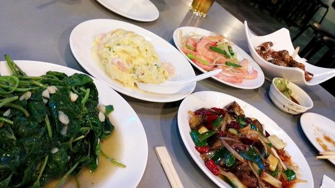 台北 熱炒(台湾式居酒屋)の料理