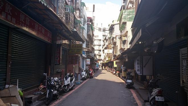 台湾 淡水淡江大学の東側の街並み