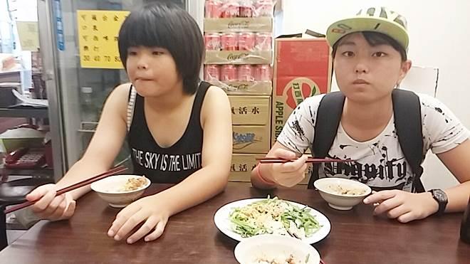 台湾・西門中華路一段の食堂