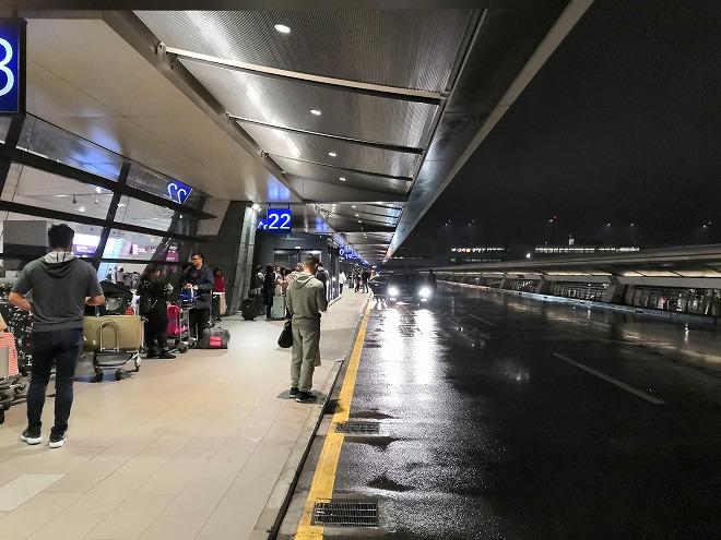 桃園国際空港。